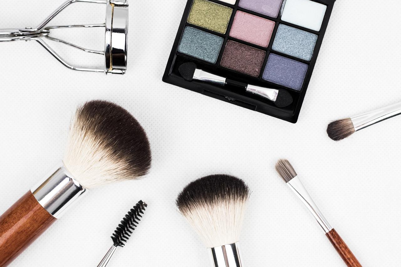 makeup brush 1761648 1280