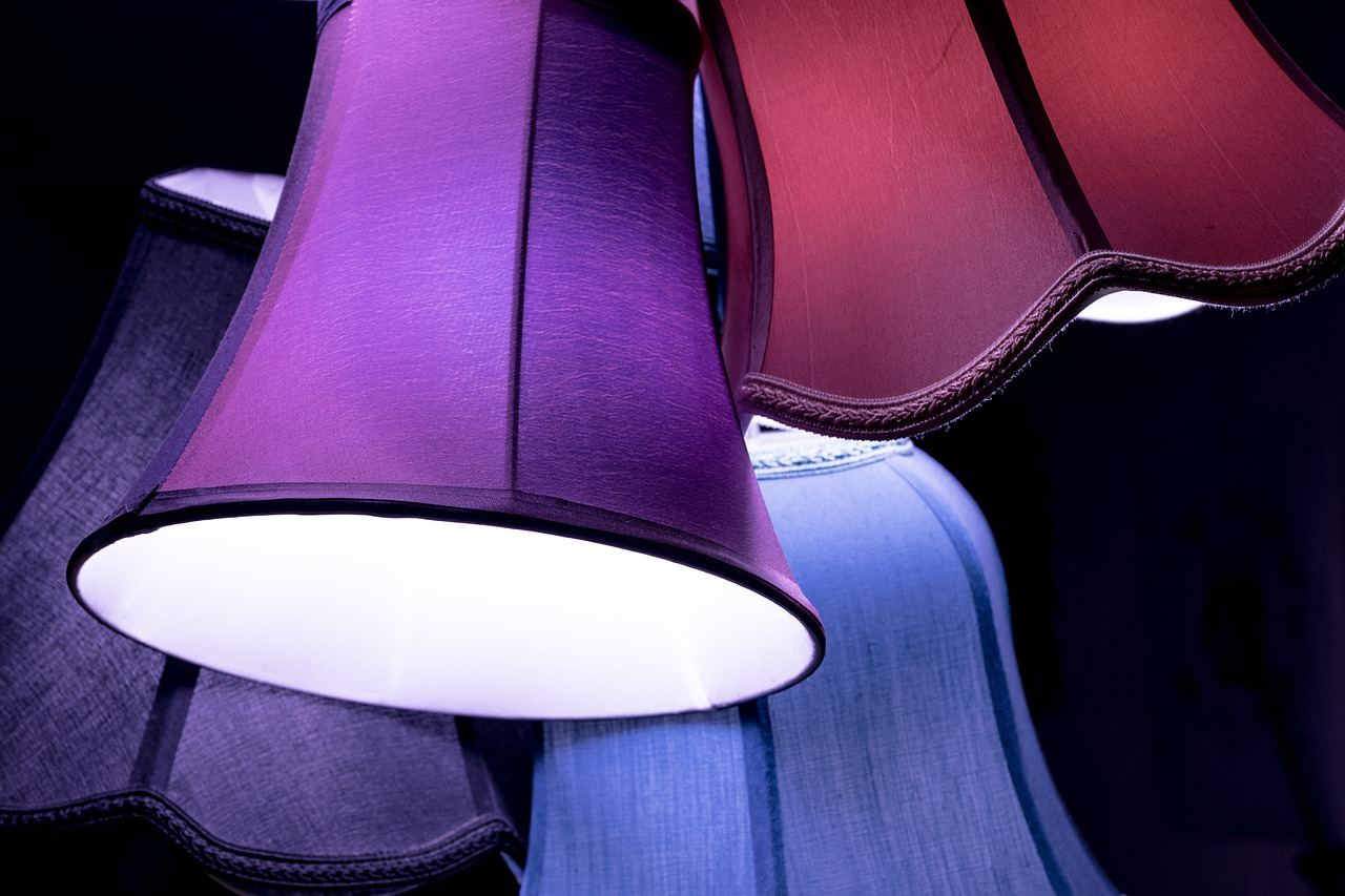 lamp 580378 1280