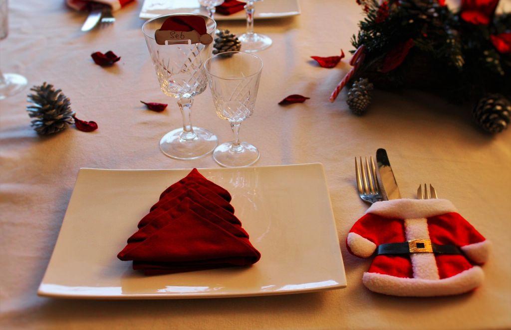 christmas table 1527062 1280