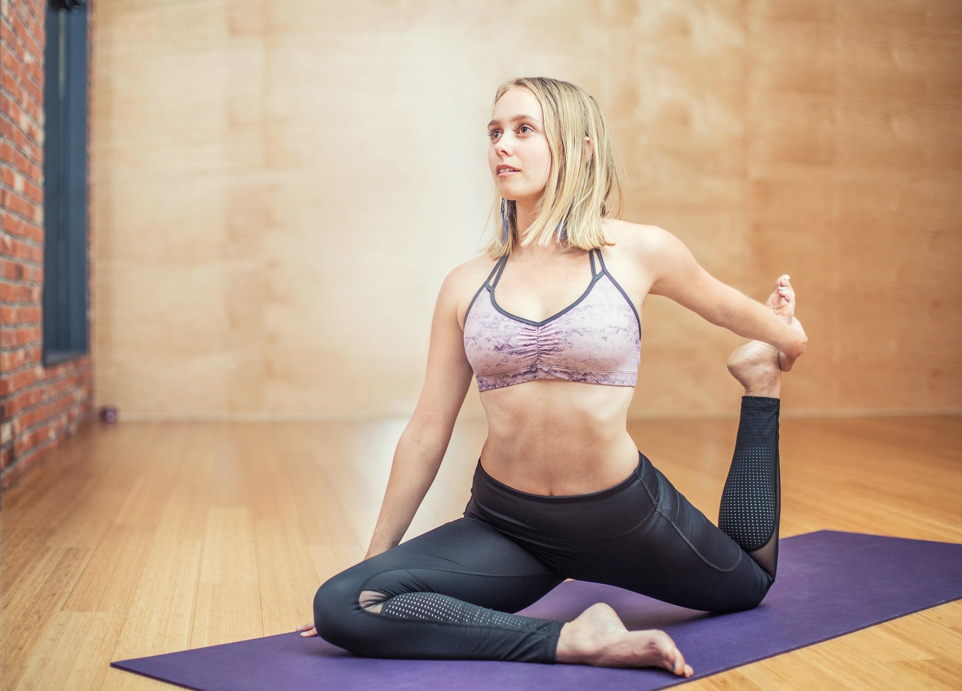 yoga 3053487 1920