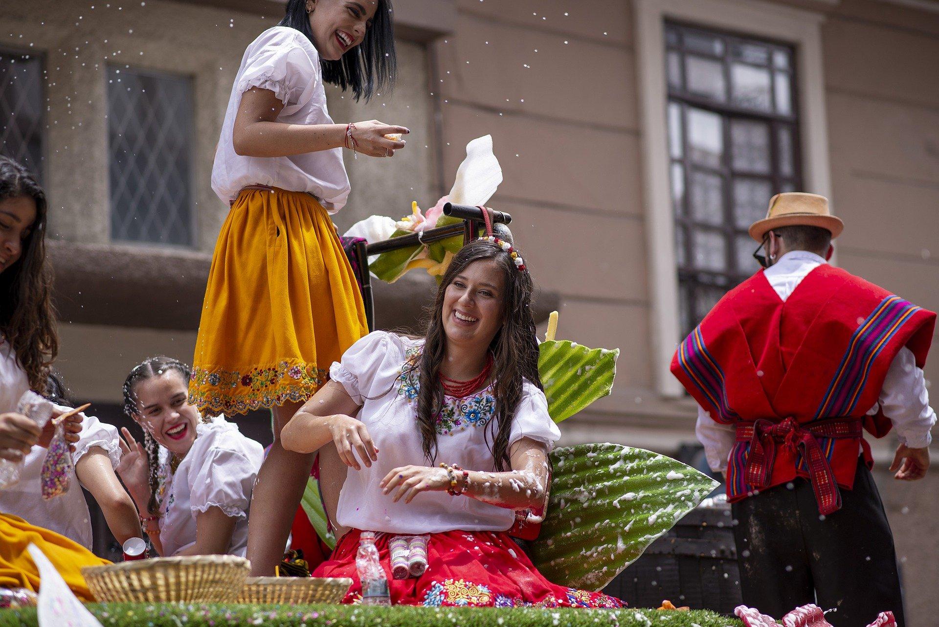 parade 4879243 1920