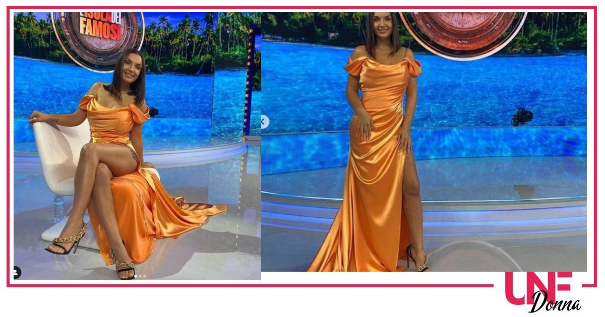 look elettra in arancio finale isola